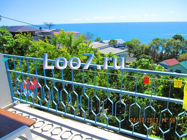 Номера в Лоо с балконом, видом на море