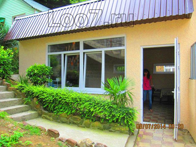 Номера в Лоо с кухней в номере