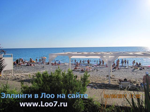 Рядом с гостиницей в Лоо 12 расположен песчаный городской пляж Лоо