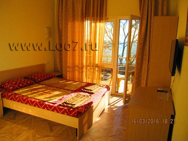 Отдых в Лоо частный сектор гостиницы на улице Декабристов номера с балконом