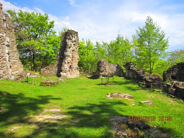 Отдых в Лоо посещения византийского храма