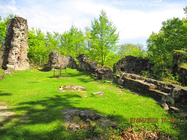 Развалины Византийского храма в Лоо