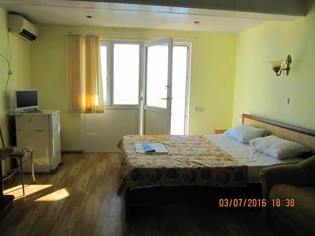 Отдых в Лоо эллинги у моря номера с балконом снять недорого